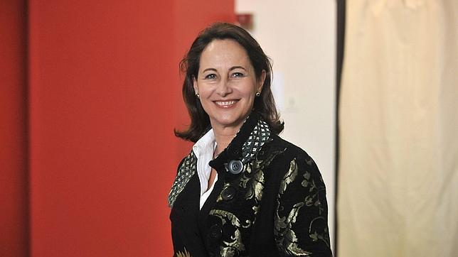 Ségolène Royal intenta salvar a Hollande de las garras de Lagerfeld