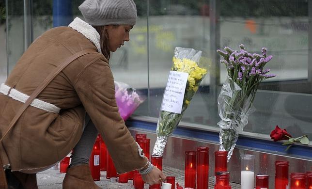 La empresa organizadora culpa de las tres muertes al «desaprensivo» que lanzó la bengala