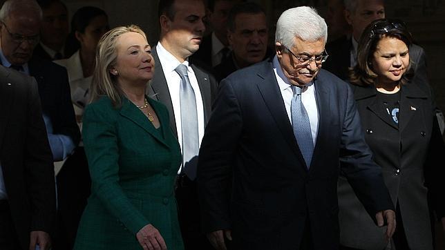 Clinton trata de arrancar una tregua entre Hamás e Israel en su visita a la región