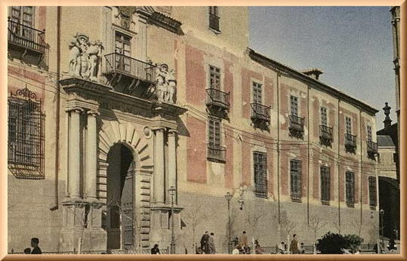 Fachada del Palacio Arzobispal en una postal de Mayfer. Archivo Municipal de Toledo