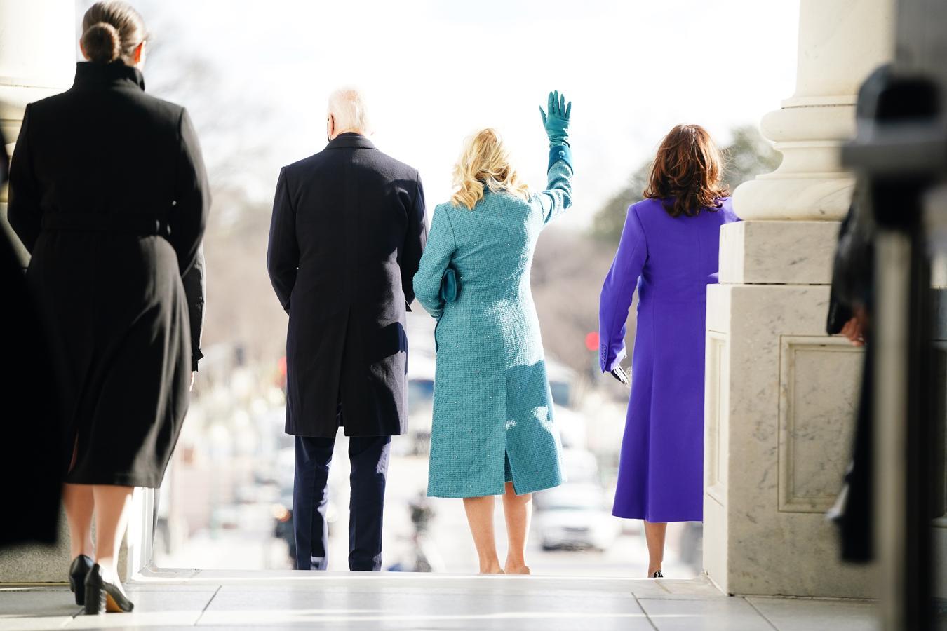 El nuevo presidente de Estados Unidos, Joe Biden, junto a su esposa, Jill