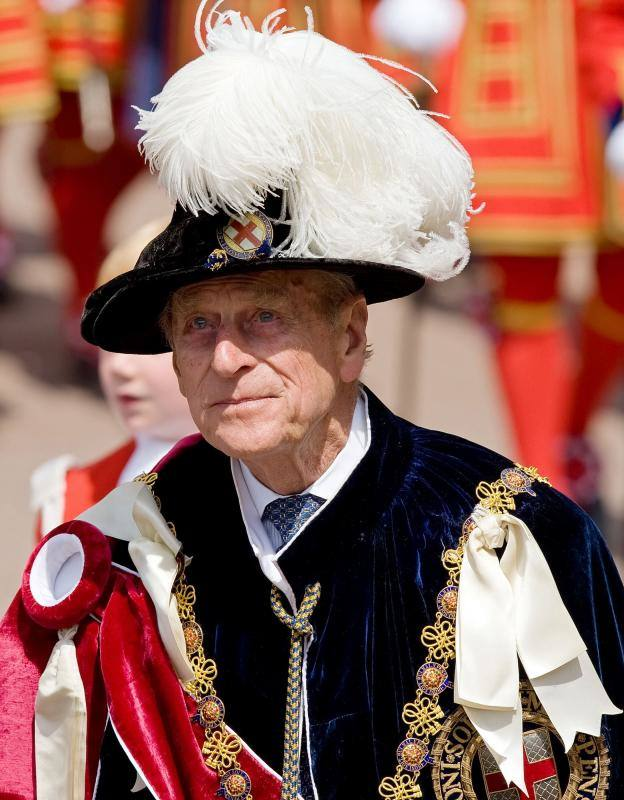 El duque de Edimburgo se une a otros miembros de la familia real en la procesión de la Orden de la Jarretera en Windsor