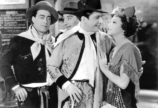 Carlos Gardel, vesetido de gaucho en «El día que me quieras» de John Reinhardt