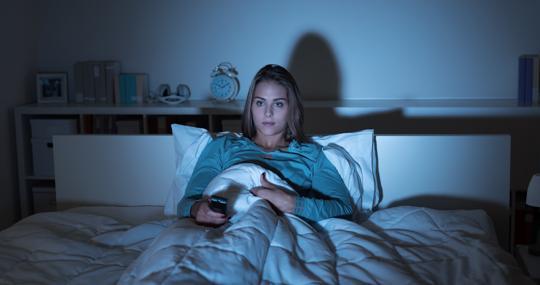 La televisión activa nuestros estímulos e impide que durmamos bien
