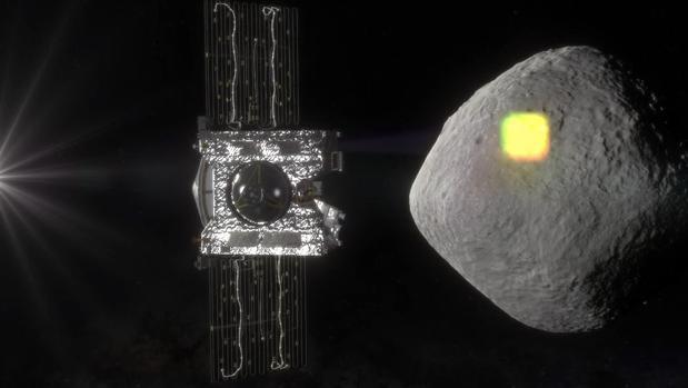 Representación de la sonda OSIRIS-REx llegando a las proximidades de Bennu para reconocer su superficie