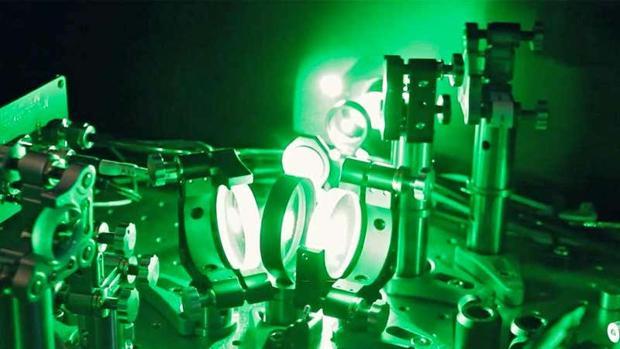 Un rayo láser puede ser torcido para moverse como un vórtice