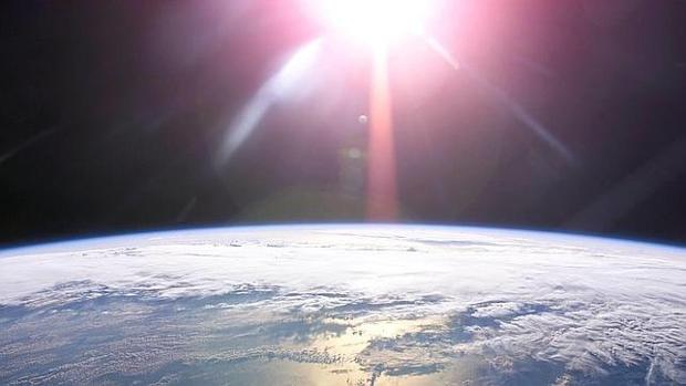 Cuál es la diferencia entre equinoccio y solsticio