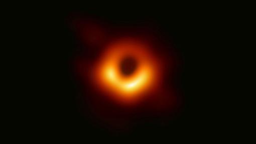 Fotografía del horizonte de sucesos del agujero negro supermasivo de la galaxia M87. Este año se tratará de obtener una imagen del agujero del centro de la Vía Láctea