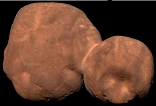 Imagen de Arrokoth, un objeto del cinturón de Kuiper sobrevolado en enero de 2019