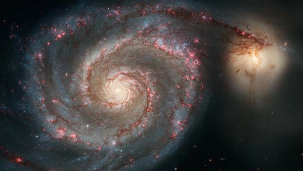 En la imagen, la impresionante galaxia espiral M51, en la que podría haberse identificado un exoplaneta