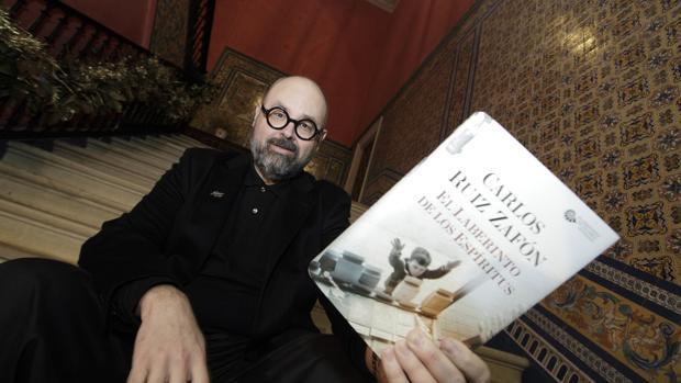 Carlos Ruiz Zafón, autor de «El laberinto de los espíritus»