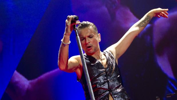 Dave Gahan, vocalista de Depeche Mode, durante un concierto de la banda