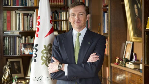 El Duque de Calabria, en su despacho