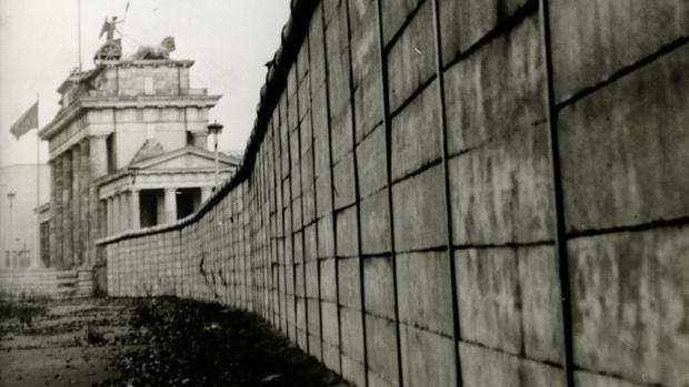 Imagen del Muro de Berlín, a la altura de la Puerta de Brandeburgo