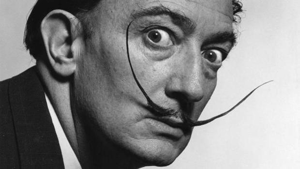 El pintor español Salvador Dalí