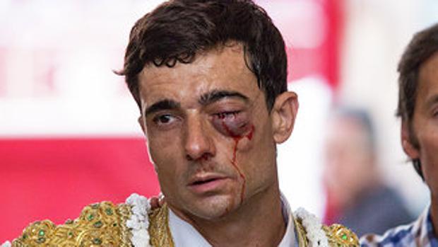 Paco Ureña ayer en Zaragoza bilaketarekin bat datozen irudiak
