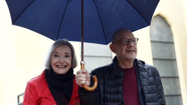 Nuria Espert y Lluís Pasqual, en el teatro de La Abadía