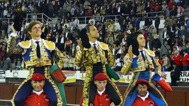 El Juli, Luis Bolívar y Roca Rey salen a hombros