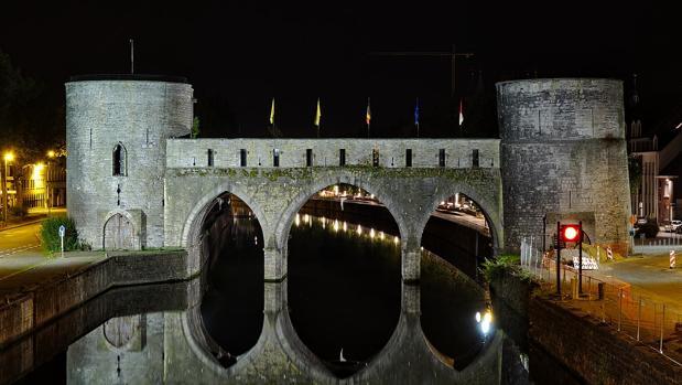 El Puente de los Agujeros de Tournai