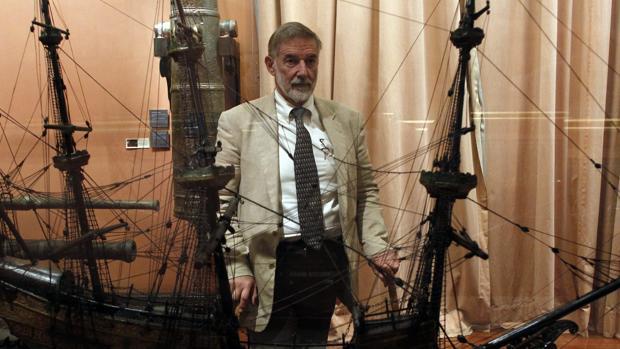 Geoffrey Parker en el Museo Naval de Madrid