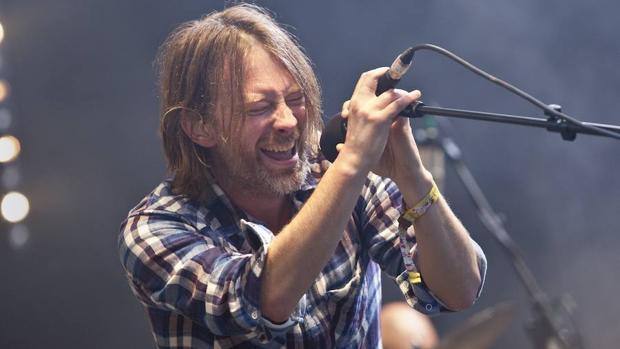 El líder de la banda, Thom Yorke, durante un concierto en Glastonbury