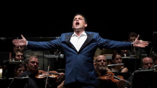 El tenor peruano Juan Diego Flórez, durante el concierto del Festival de Peralada ofrecido anoche en la localidad catalana