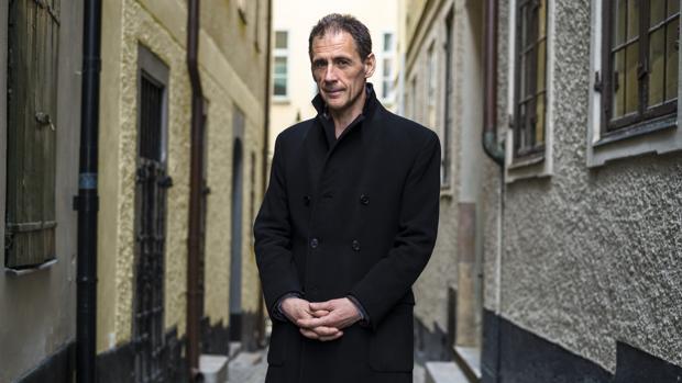 El escritor David Lagercrantz, fotografiado en las calles de Estocolmo