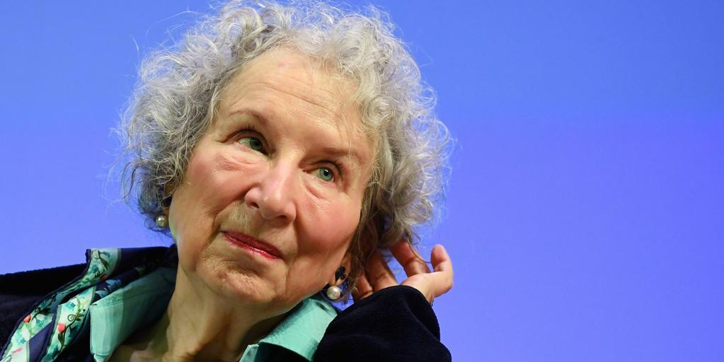 Margaret Atwood, sobre «Los testamentos»: «Espero y deseo que sea una distopía»