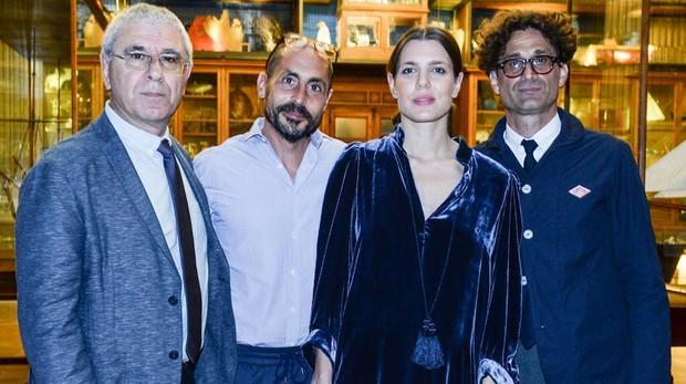 (De izquierda a derecha) Robert Maggiori, Joseph Cohen, Charlotte Casiraghi y Raphael Zagury-Orly