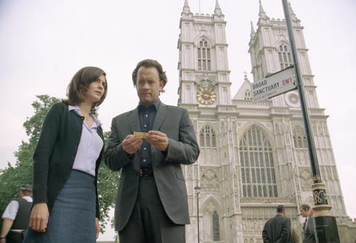 Tom Hanks y Audrey Tautou, en una escena de «El Código Da Vinci», película basada en el best seller de Dan Brown
