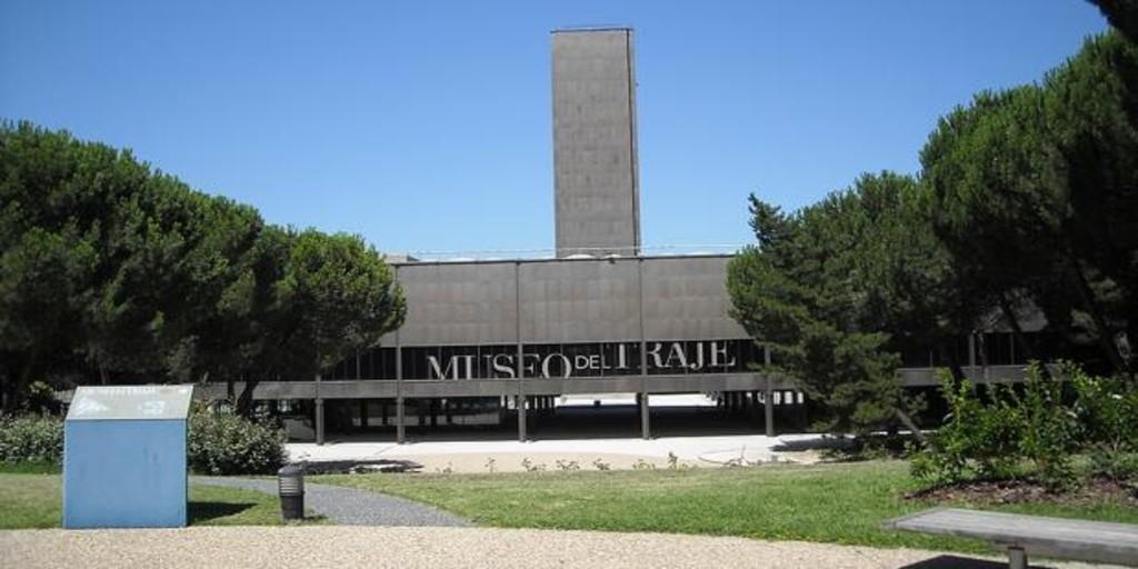 El Museo del Traje cierra hasta el próximo otoño por obras