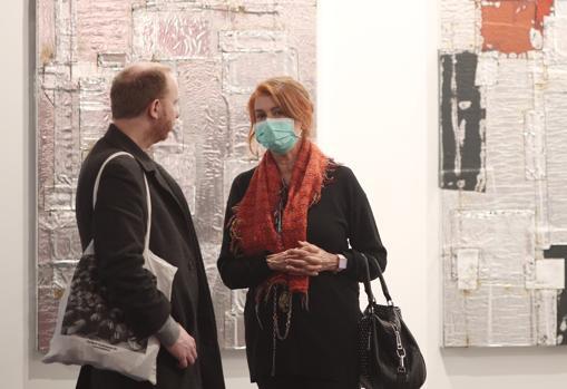 Visitantes protegidos con mascarillas, ayer en ARCO