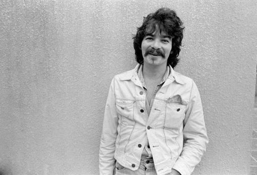 A finales de los setenta, John Prine se deja crecer el bigote