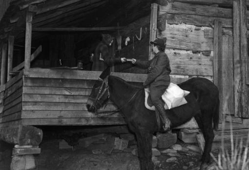 Una de las bibliotecarias que, a lomos de un caballo, llevó libros a las zonas más aisladas de la cordillera de los Apalaches en la década de 1930