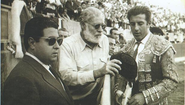 La tarde más feliz de Antonio Ordóñez: seis orejas y un toro de su ganadería indultado