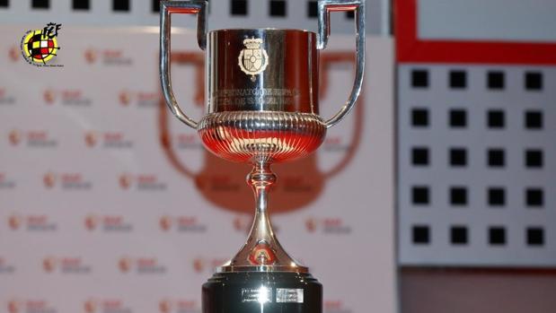 El trofeo de la Copa del Rey