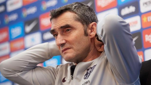 Valverde, reflexivo, durante la rueda de prensa