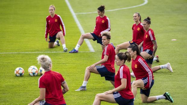 Concentración de la Selección española en Francia