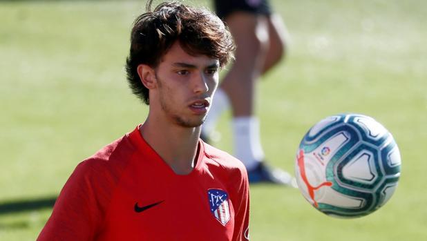 Joao Félix durante un entrenamiento con el Atlético de Madrid