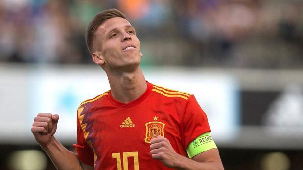 Dani Olmo celebrando uno de los goles marcados ante Montenegro
