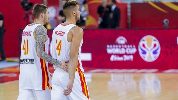 incomodidad del jugador de baloncesto