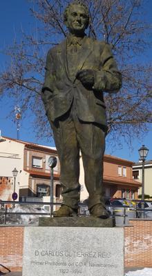Estatua dedicada a Carlos Gutiérrez Reis