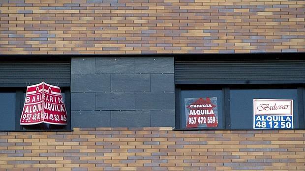 Sanciones, conflictos con el inquilino y con la Agencia Tributaria son algunas de las consecuencias de alquilar sin contrato