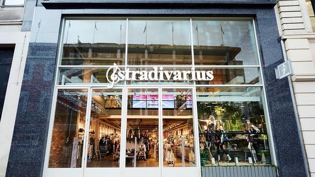 Fotografía cedida por Stradivarius de la inauguración de una nueva tienda de la cadena de moda en el centro de Londres
