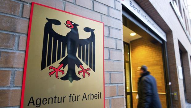 El INE alemán atribuye esta caída del desempleo a la «evolución positiva» de la economía alemana , especialmente de la construcción