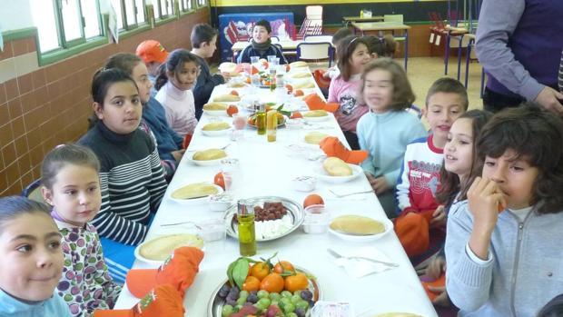 Comedores escolares, menús de garantías con guarnición de polémica