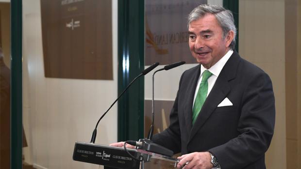 Javier Vega de Seoane cree que el nuevo ministro tiene un perfil profesional «excelente»