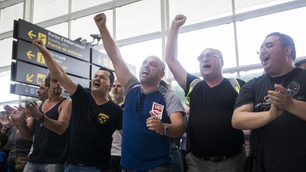 Protestas de los trabajadores de Eulen en El Prat el verano pasado