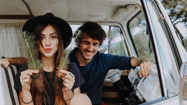 Fernando Cervigón y Sara Cobos, que se encarga de los proyectos de la ONG vinculada a la marca
