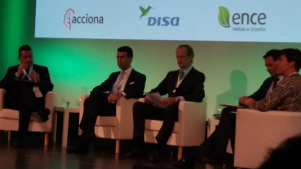Santiago Gómez (Acciona), Santiago Rull (Disa), Ignacio Colmenares (Ence) y Javier Anzola (Viesgo), en el foro